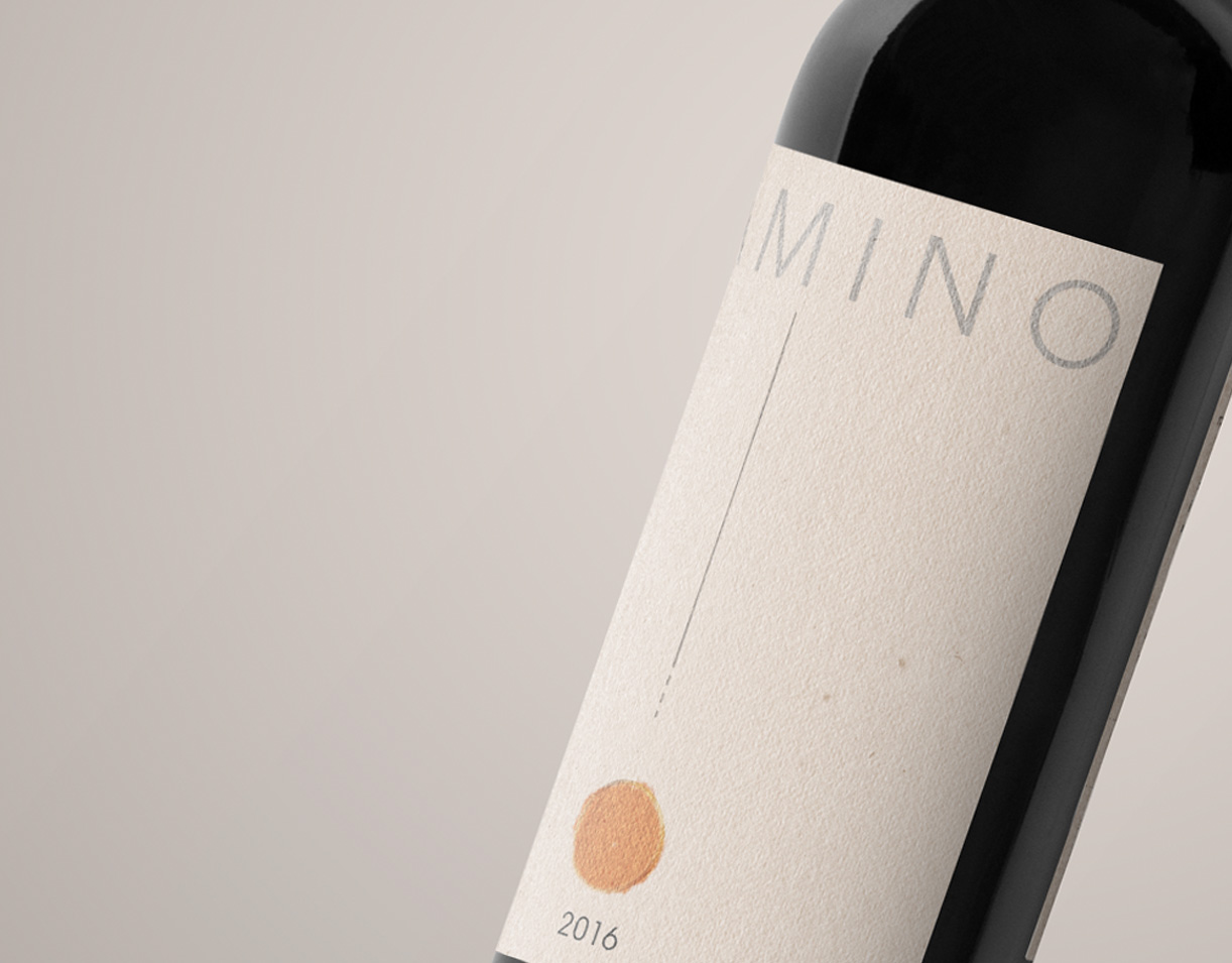 Diseño de etiqueta de vino Camino Primer Plano